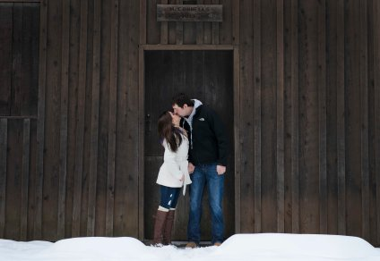 romantic engagement portrait poses in doorway