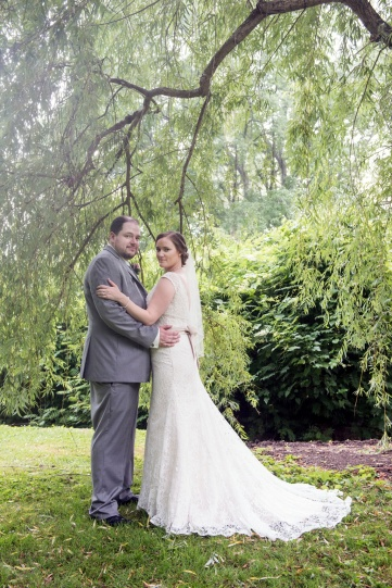 bride and groom portraits under weeping willow tree in Sewickley PA